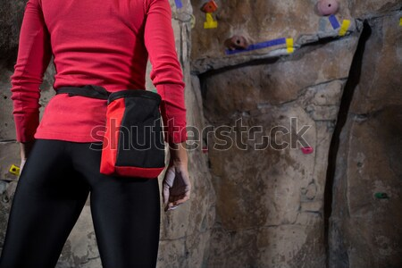 Határozott nő gyakorol hegymászás fitnessz stúdió Stock fotó © wavebreak_media