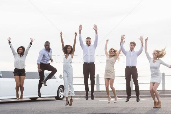 Insanlar atlama limuzin kadın Stok fotoğraf © wavebreak_media