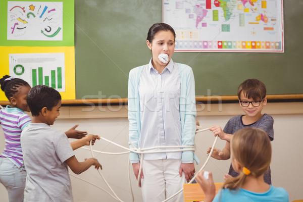 ストックフォト: を実行して · 教室 · 女性 · 少女