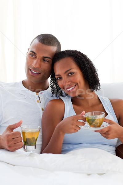 Intiem paar drinken beker thee bed Stockfoto © wavebreak_media