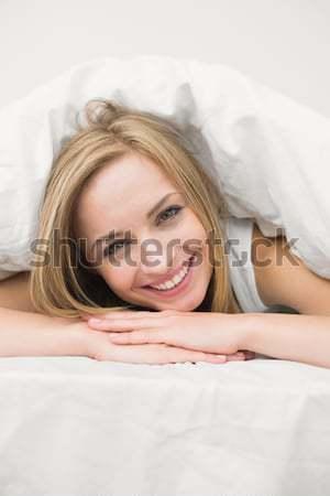 Portré higgadt nő csukott szemmel kéz mosoly Stock fotó © wavebreak_media