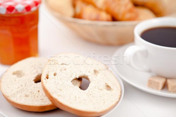 Donut gesneden half beker koffie witte Stockfoto © wavebreak_media