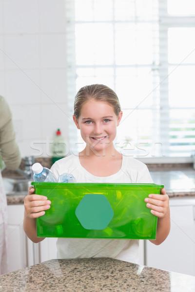 Felice bambina riciclaggio finestra home Foto d'archivio © wavebreak_media