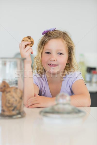 Bonitinho menina bolinhos contrariar retrato Foto stock © wavebreak_media