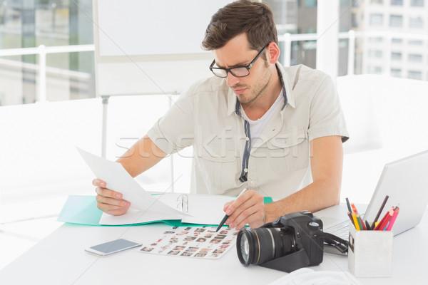 Concentreren mannelijke kunstenaar vergadering bureau foto's Stockfoto © wavebreak_media