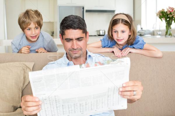 Сток-фото: отец · детей · чтение · газета · Cute · домой