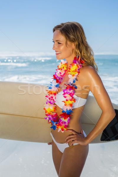 Mosolyog szőke nő szörfös fehér bikini girland Stock fotó © wavebreak_media