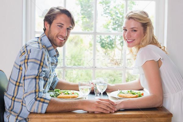 Foto stock: Bonitinho · sorridente · casal · refeição · juntos · casa