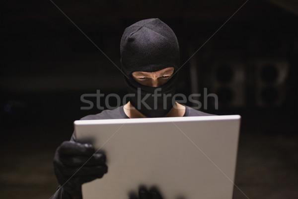 Hacker laptopot használ arculat férfi technológia notebook Stock fotó © wavebreak_media
