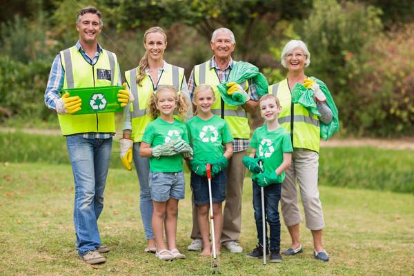 Gelukkig gezin verzamelen onzin man gelukkig Stockfoto © wavebreak_media