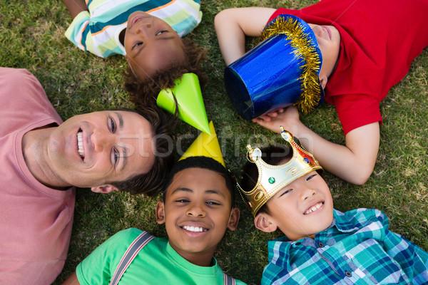 Ver homem crianças campo festa amor Foto stock © wavebreak_media