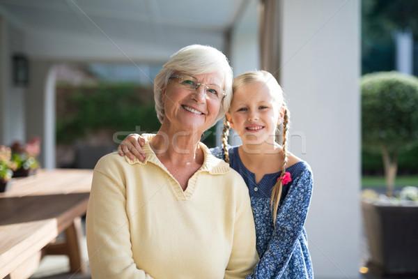 Kleindochter grootmoeder samen dek schaduw Stockfoto © wavebreak_media