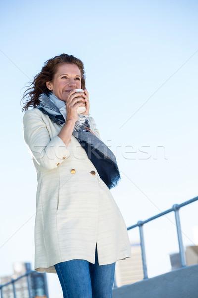 女性 飲料 コーヒー 晴天 笑みを浮かべて 成熟した女性 ストックフォト © wavebreak_media