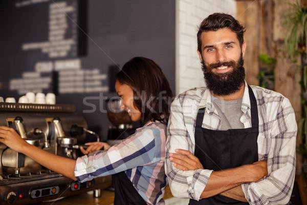 Retrato garçom em pé garçonete trabalhando Foto stock © wavebreak_media