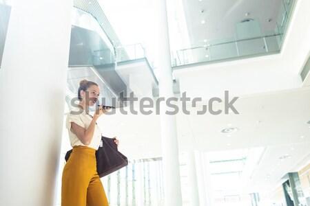 девушки виртуальный реальность белый компьютер Сток-фото © wavebreak_media