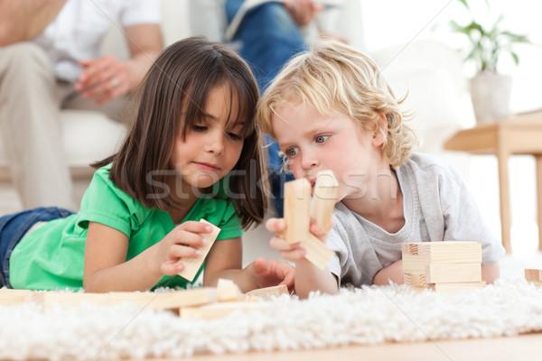 Stockfoto: Weinig · jongen · meisje · spelen · samen · woonkamer
