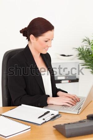 Aktywny księgowy biuro kobieta papieru uśmiech Zdjęcia stock © wavebreak_media