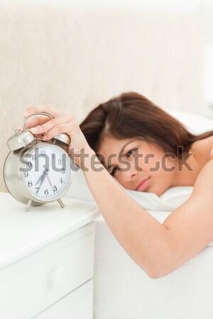 Nő felfelé hálószoba kezek ágy fej Stock fotó © wavebreak_media