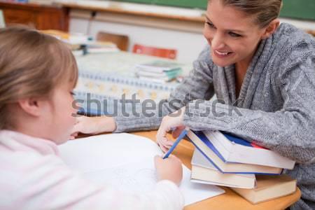 Foto stock: Maestro · algo · aula · mujer · escuela