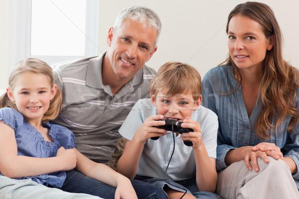 очаровательный семьи играет Видеоигры гостиной любви Сток-фото © wavebreak_media