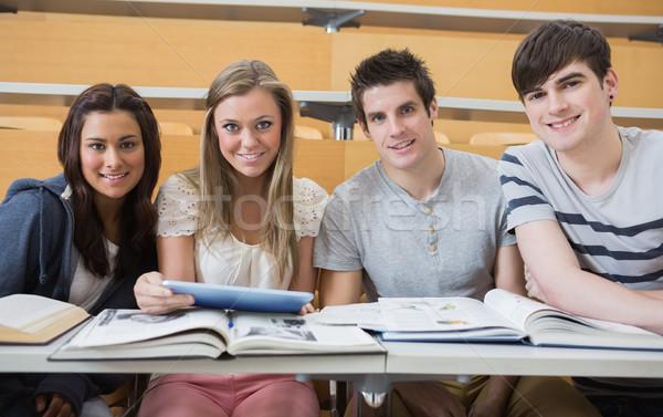 Studenten Sitzung Vortrag Halle lächelnd Stock foto © wavebreak_media