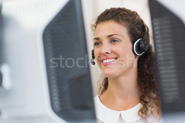 Servicio al cliente agente de trabajo centro de llamadas feliz femenino Foto stock © wavebreak_media