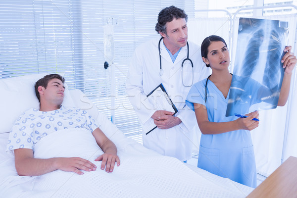 Doctors examining patients xray Stock photo © wavebreak_media