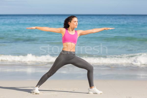 Foto d'archivio: Montare · donna · fitness · accanto · mare · spiaggia