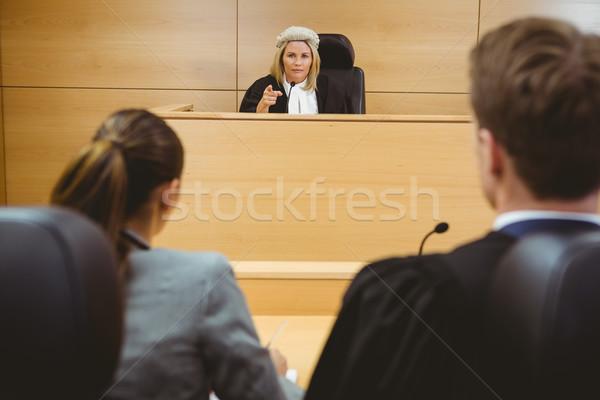 Juiz falante advogados decisão tribunal Foto stock © wavebreak_media