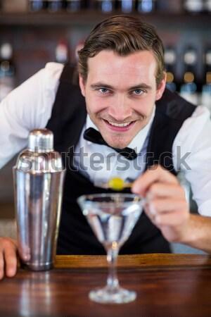 Portré csapos készít italok bár bor Stock fotó © wavebreak_media