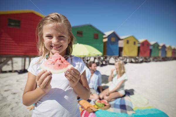 Retrato sorridente menina melancia pais Foto stock © wavebreak_media