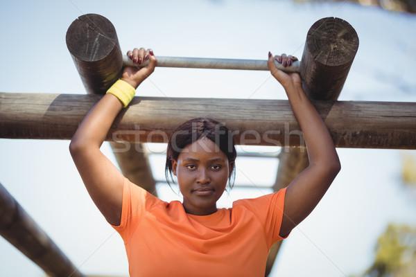 Kadın egzersiz maymun bar Stok fotoğraf © wavebreak_media