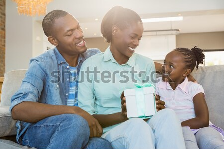 Kleindochter haren woonkamer home kind notebook Stockfoto © wavebreak_media