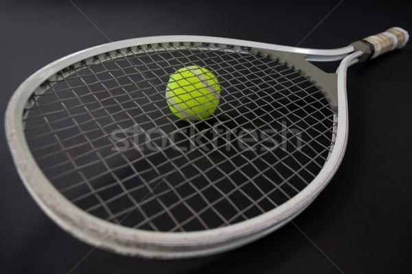 Magasról fotózva kilátás teniszütő labda fekete üzlet Stock fotó © wavebreak_media