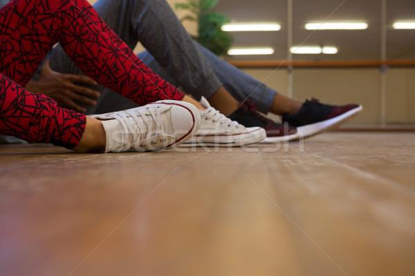 Baixo seção dançarinos piso de madeira estúdio mulher Foto stock © wavebreak_media
