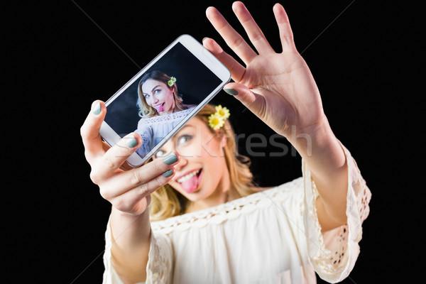 ストックフォト: 笑顔の女性 · 写真 · 携帯電話 · 黒 · 美人 · 女性