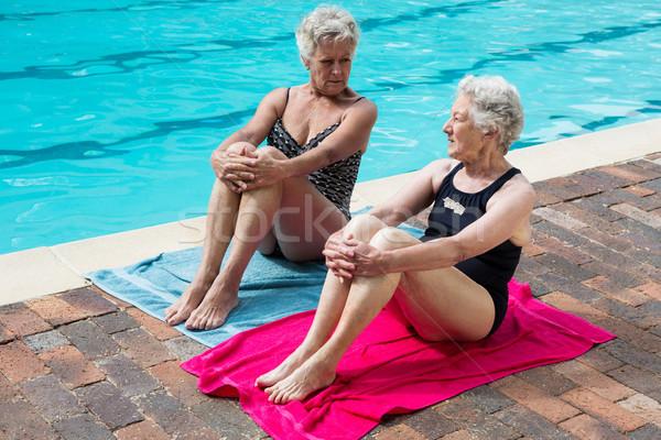 Starszy kobiet inny relaks kobieta zespołu Zdjęcia stock © wavebreak_media