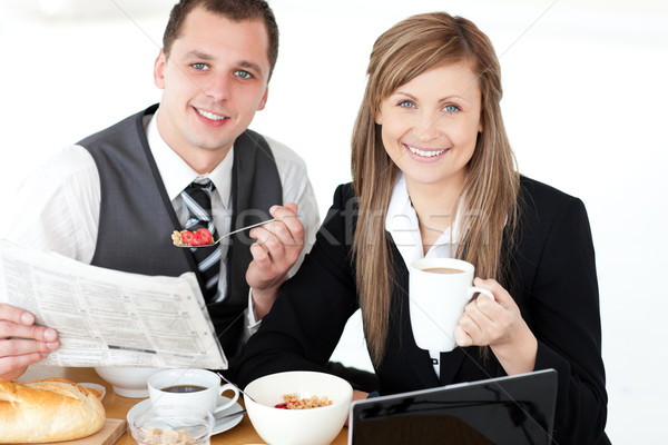 Radosny para śniadanie uśmiechnięty kamery Zdjęcia stock © wavebreak_media