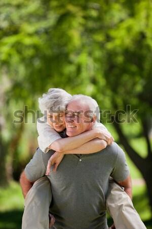 Homme femme ferroutage amour heureux Retour Photo stock © wavebreak_media