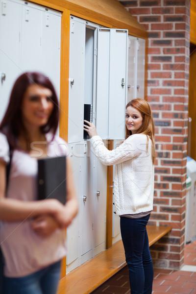 Portre öğrenci kilitli dolap arkadaş ayakta Stok fotoğraf © wavebreak_media