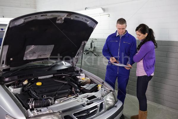 Monteur vrouw garage auto Stockfoto © wavebreak_media