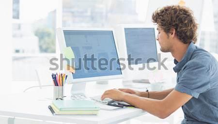 Művész grafika ül asztal számítógép toll Stock fotó © wavebreak_media