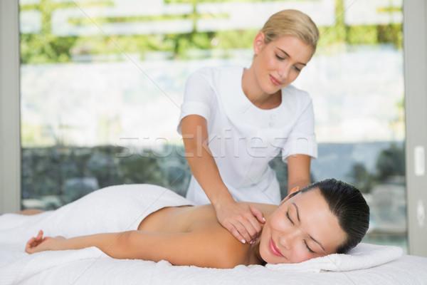 Contenuti bruna indietro massaggio spa hotel Foto d'archivio © wavebreak_media