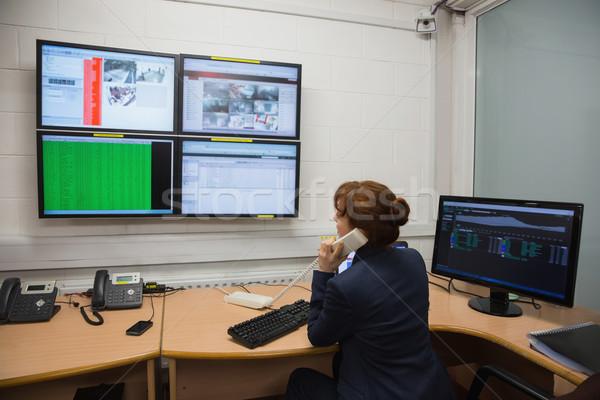 技術者 座って オフィス を実行して ストックフォト © wavebreak_media