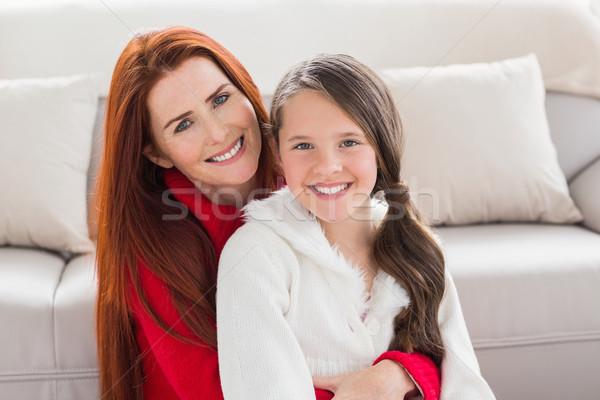 матери дочь улыбаясь камеры домой гостиной Сток-фото © wavebreak_media