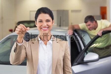Mosolyog vásárló mutat új kulcsok új autó Stock fotó © wavebreak_media