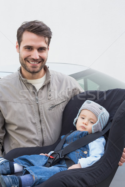 Padre baby auto sede sorridere Foto d'archivio © wavebreak_media