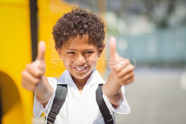 Cute uśmiechnięty kamery szkolny autobus na zewnątrz szkoła podstawowa Zdjęcia stock © wavebreak_media