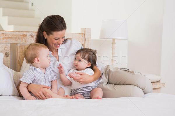 Feliz mãe bonitinho bebês menino menina Foto stock © wavebreak_media