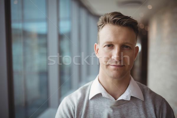 Portré mosolyog igazgató áll iroda férfi Stock fotó © wavebreak_media